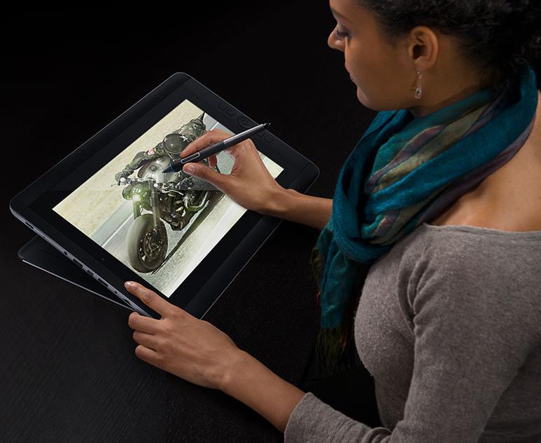 Wacom Cintiq Companion Hybrid: Tablet pre grafikov za 1500$