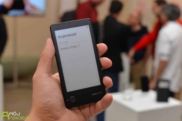Prvý YotaPhone prišiel na trh v roku 2012