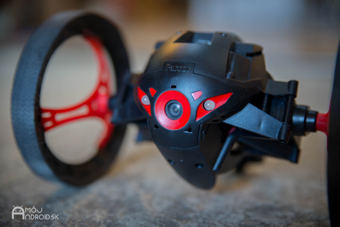 Parrot_Jumping_Sumo-13