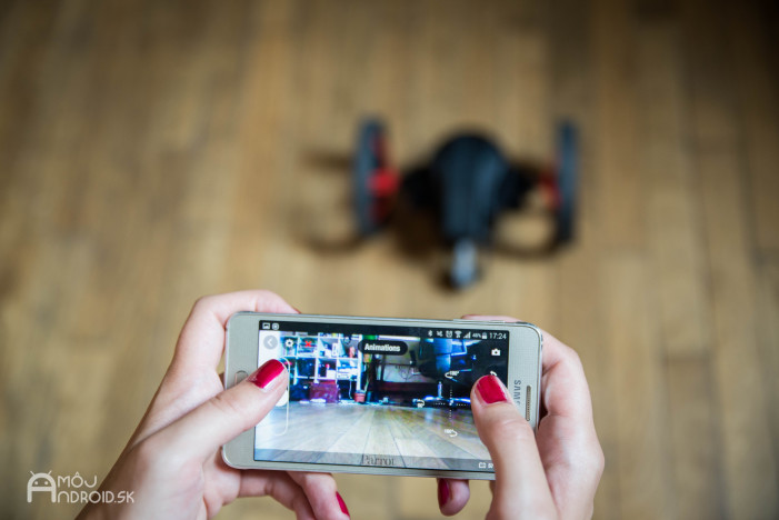 Parrot_Jumping_Sumo-9