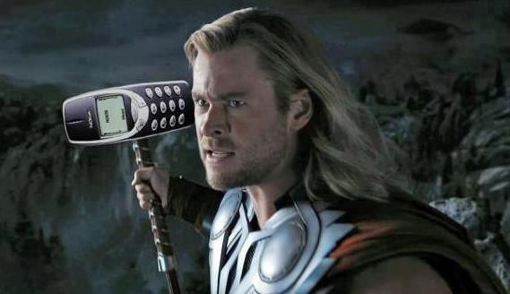 Nokia 3310 sa stala aj terčom mnohých vtipov. Je to Chuck Norris medzi telefónmi.