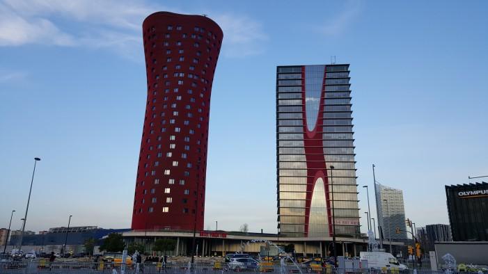 Hotely v blízkosti výstaviska. podľa našich informácií tam stála jedna noc pre jednu osobu približne 1200 - 1500 EUR.