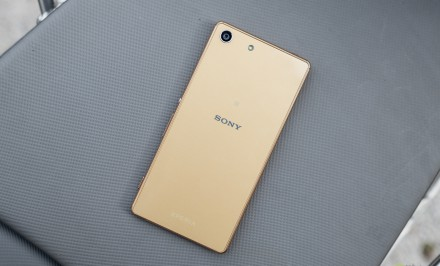 Sony-Xperia-M5-recenzia-4