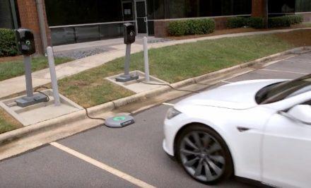 Tesla_Model_S_-_Wireless_Charging_-_YouTube