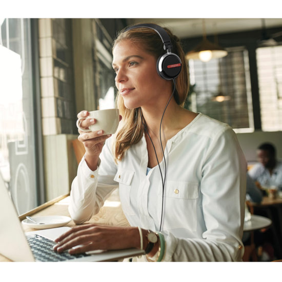 Lifestyle_Flex_Girl at Cafe