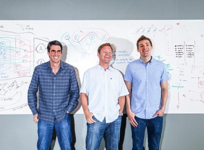Trojica pôvodných autorov asistenta Siri, teraz členovia Viv Labs