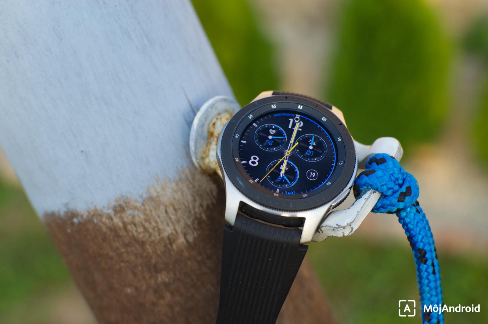 Telo hodiniek je vytvorené z kvalitnej chirurgickej ocele b56ed2c3ea