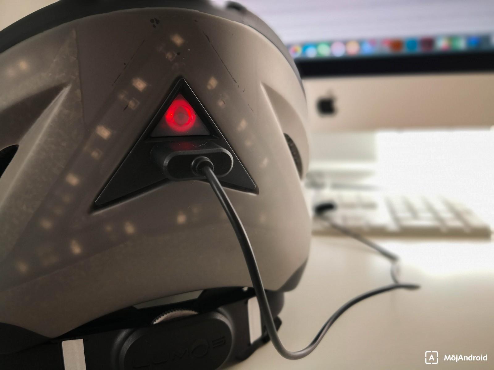 Test inteligentnej prilby Lumos Helmet  Množstvo funkcií a vyššia cena 9d746362a4d