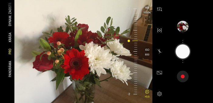 S väčšinou nastavení sa dá pohrať v manuálnom/pro režime fotoaparátu (ktorý čistý Android postráda)