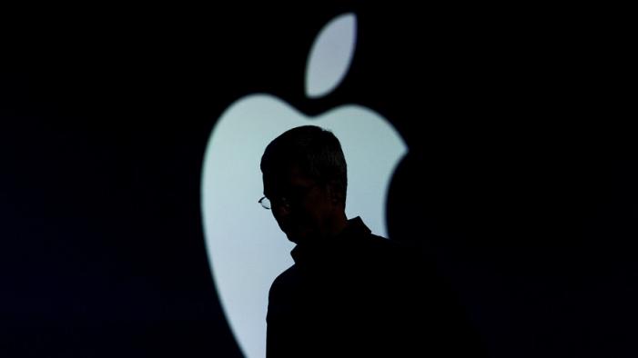 Apple zaznamenal veľký pokles predaja a teoreticky môže mať spoluúčasť v boji proti čínskym spoločnostiam