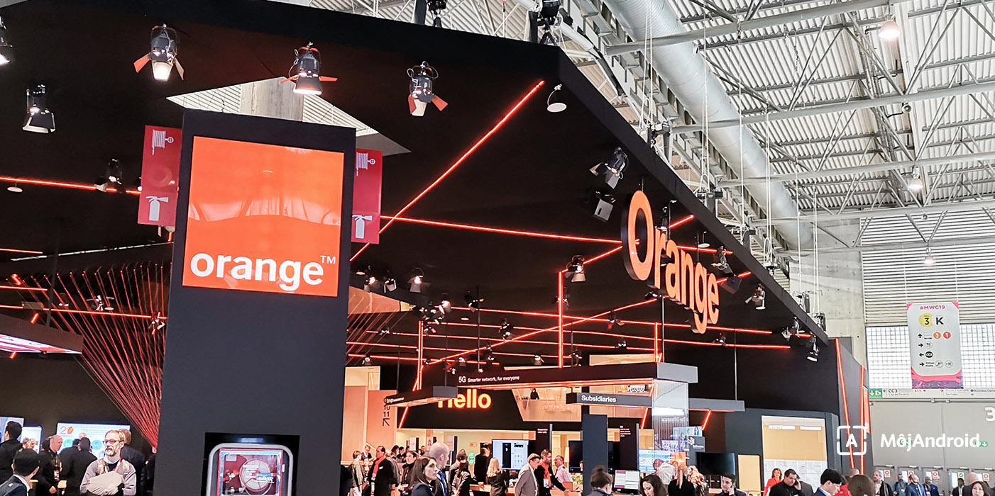 يساعد المشغلون رجال الأعمال العمل orange-logo-cover.jp