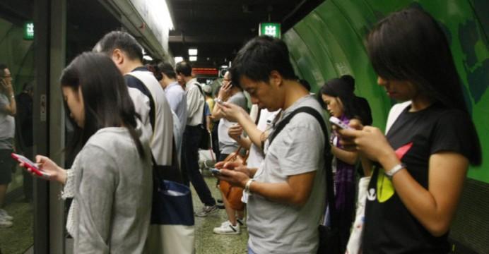 U naozaj mnohých ľudí spôsobujú hry ako PUBG Mobile veľkú závislosť