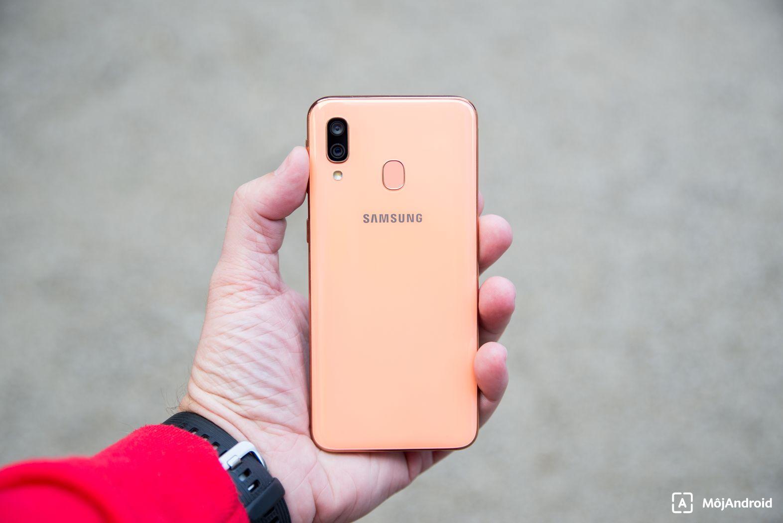 Samsung Galaxy A40 fotoaparát