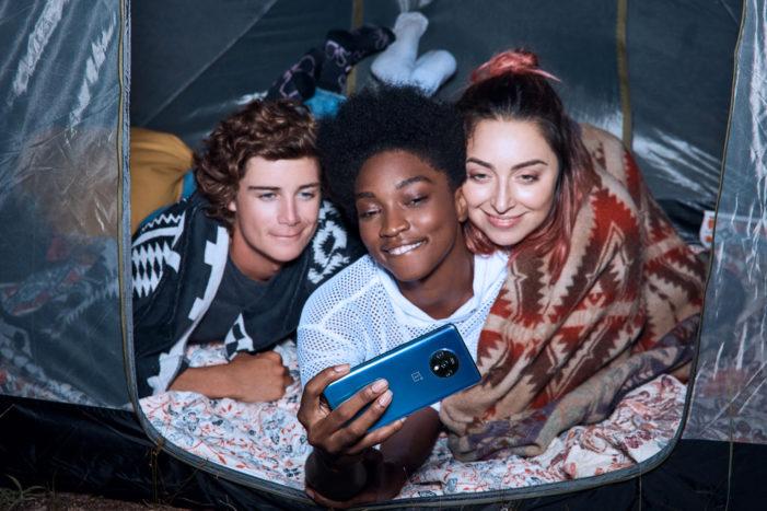 OnePlus 7T skupinové selfie