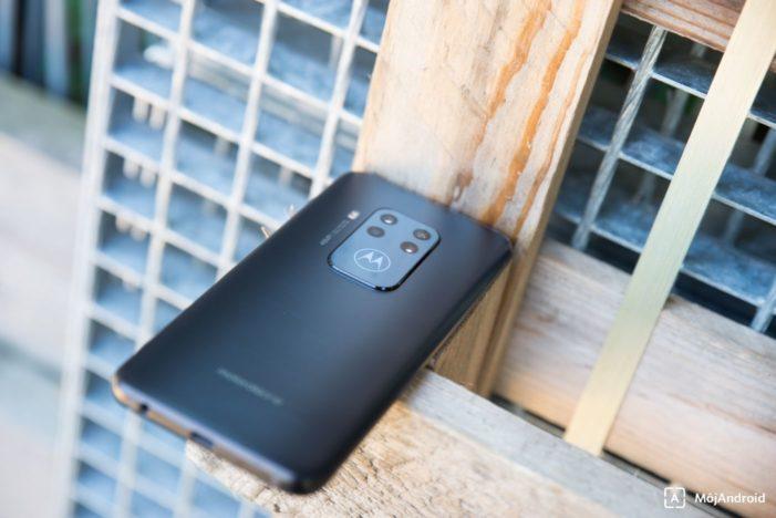Motorola one zoom dizajn
