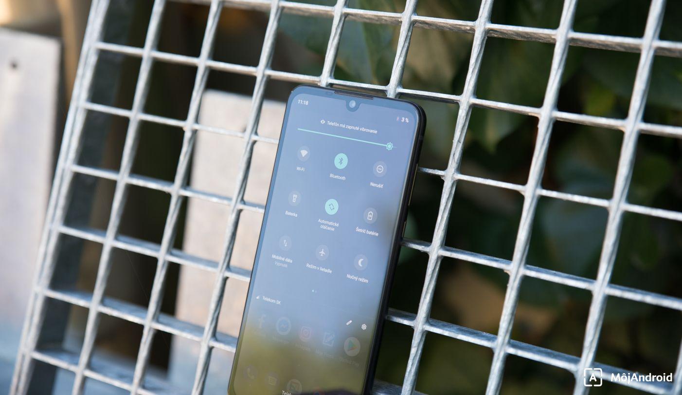 Motorola one zooom notifikačná lišta