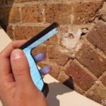 Motorola Razr 2019 zboku skladanie