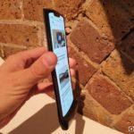 Motorola Razr 2019 displej zboku