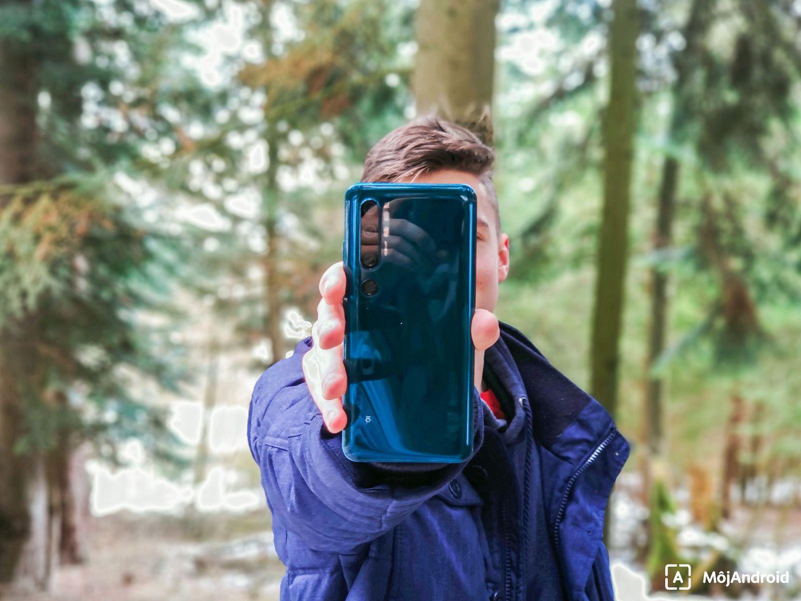 Xiaomi Mi Note 10 v ruke