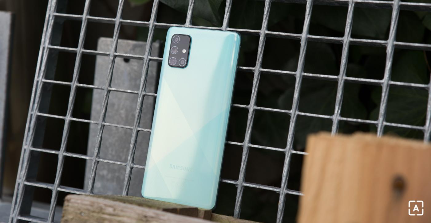 Samsung Galaxy A71 zadná strana