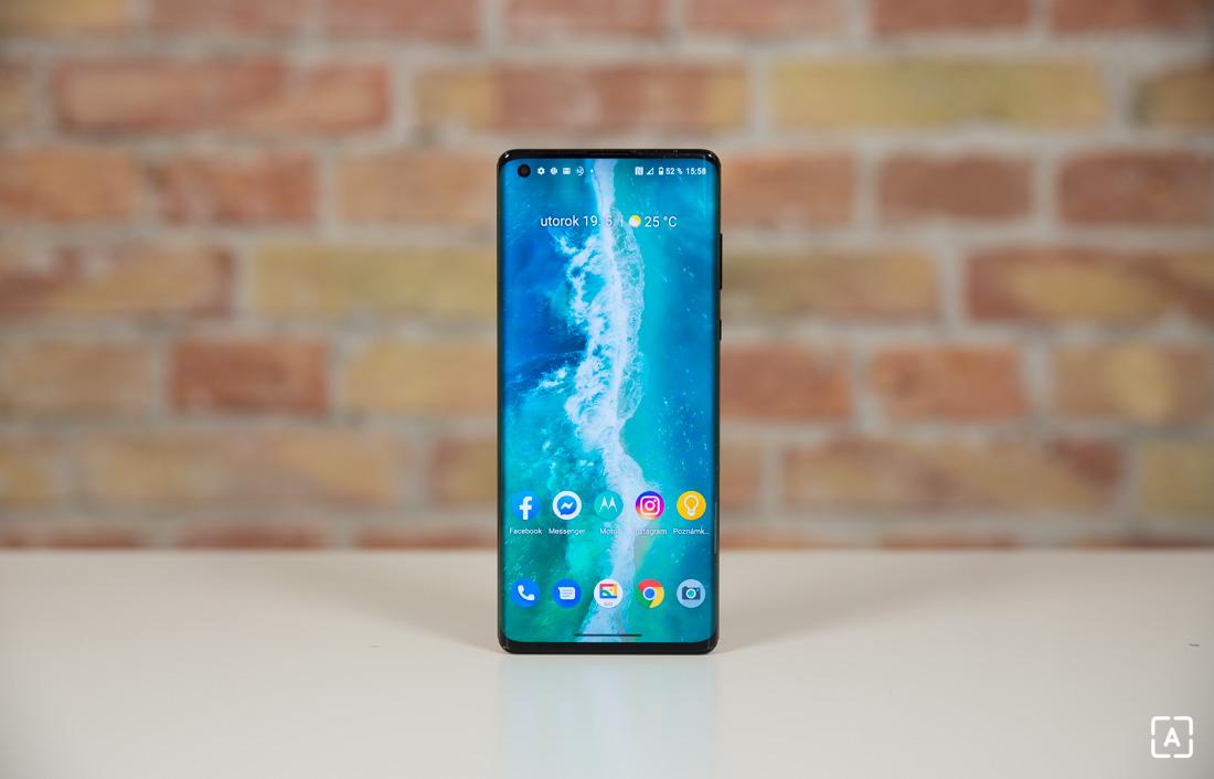 Motorola edge+ domovska obrazovka