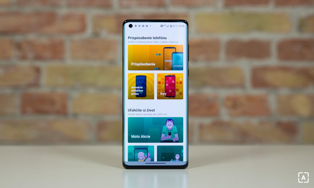 Motorola edge+ moto obrazovka