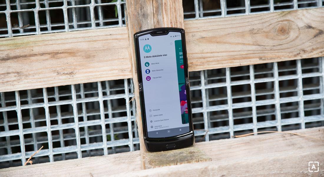 Motorola razr moto akcie