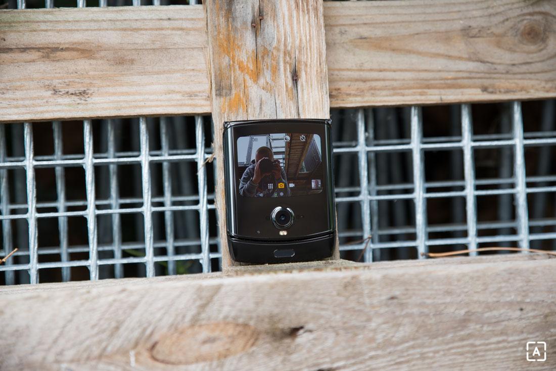 Motorola razr selfie