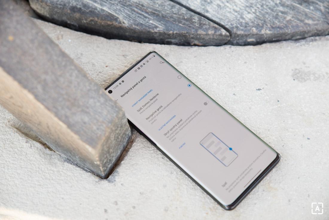 OnePlus 8 Pro gesta