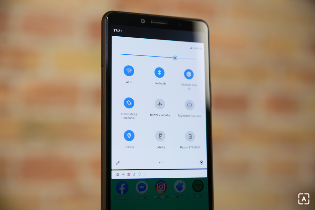 Sony Xperia 10 II notifikacna lista