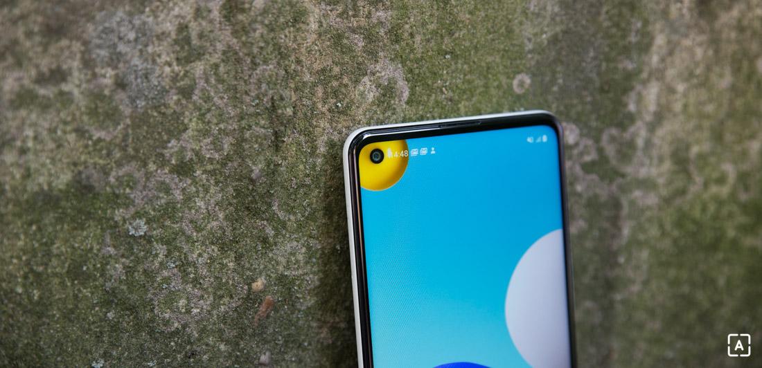 Samsung Galaxy A21s displej selfie fotoaparat