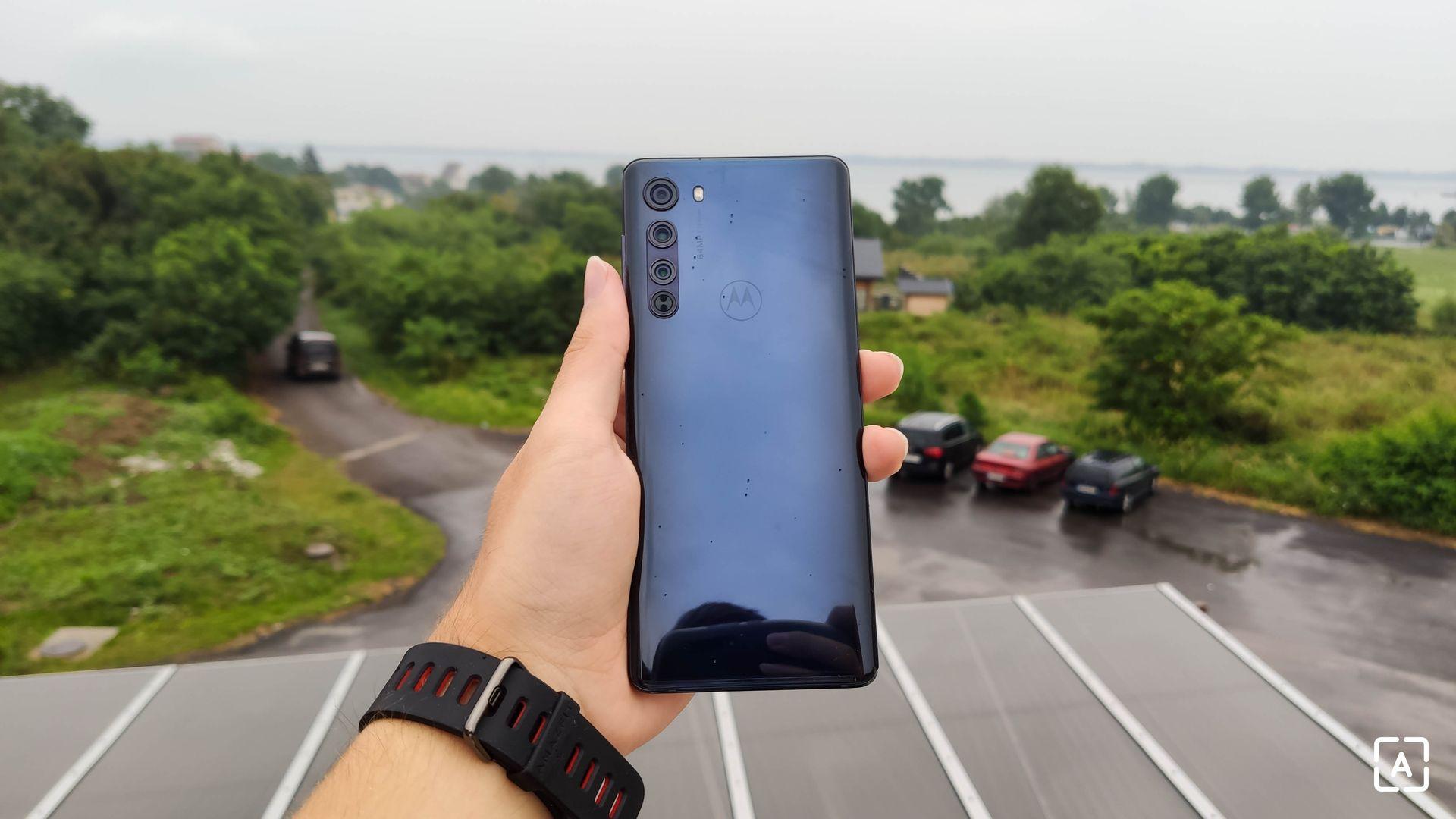 Motorola Edge zadná strana