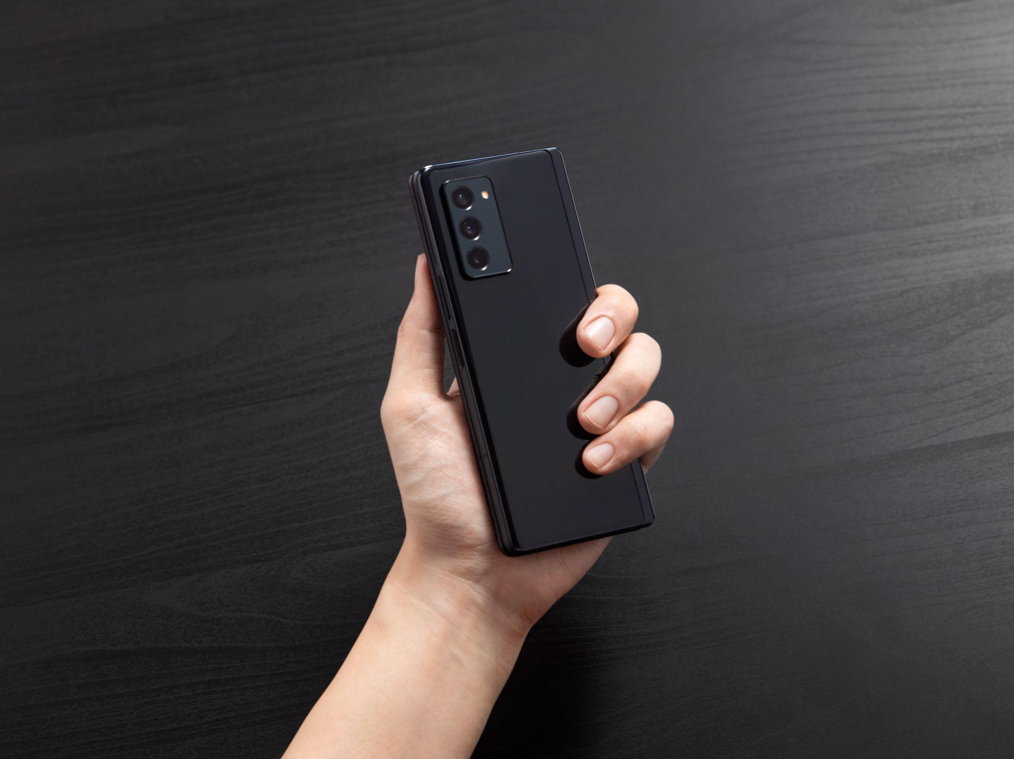 Samsung Galaxy Z Fold 2 čierný