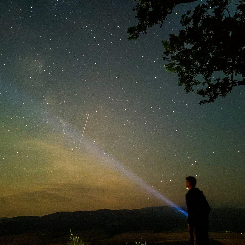 perzeidy 2021 nočná obloha hviezdy