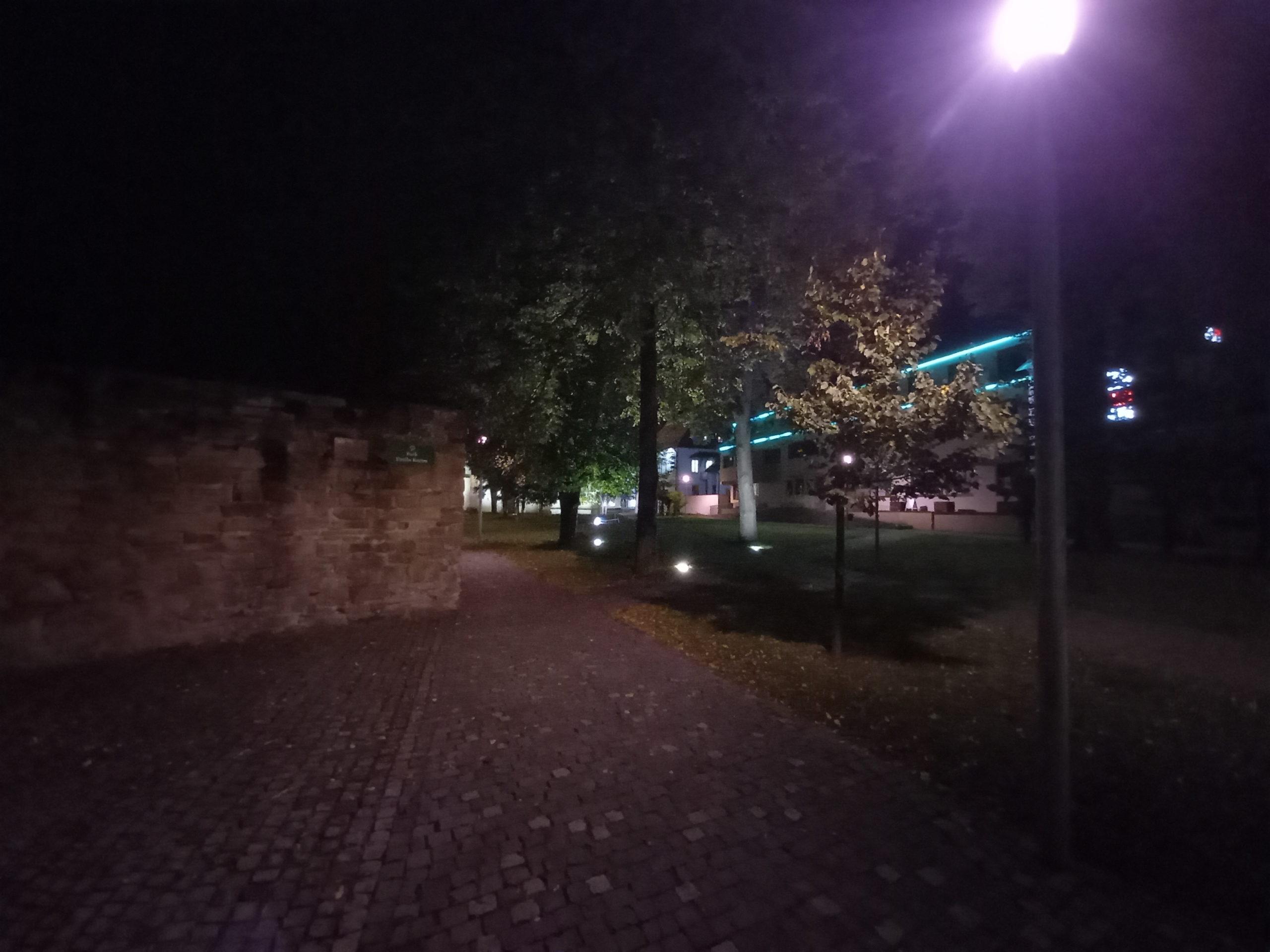 Galaxy A31 nočné foto