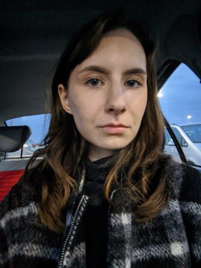 Pixel 4a nočná selfie