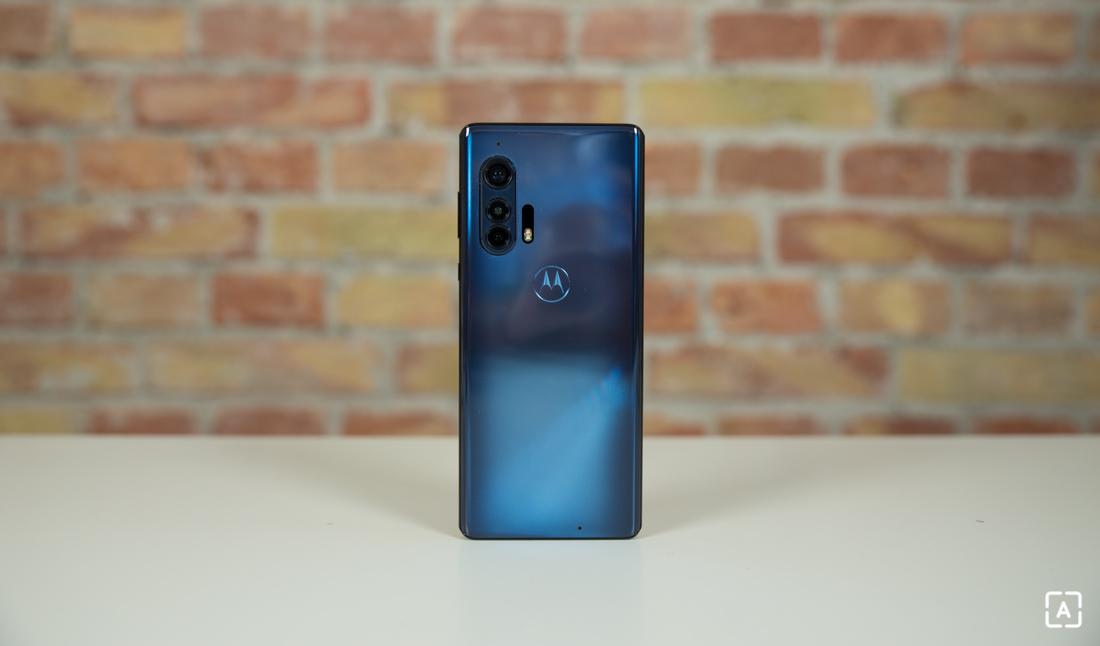 Se supone que Motorola edge + tiene Android 12