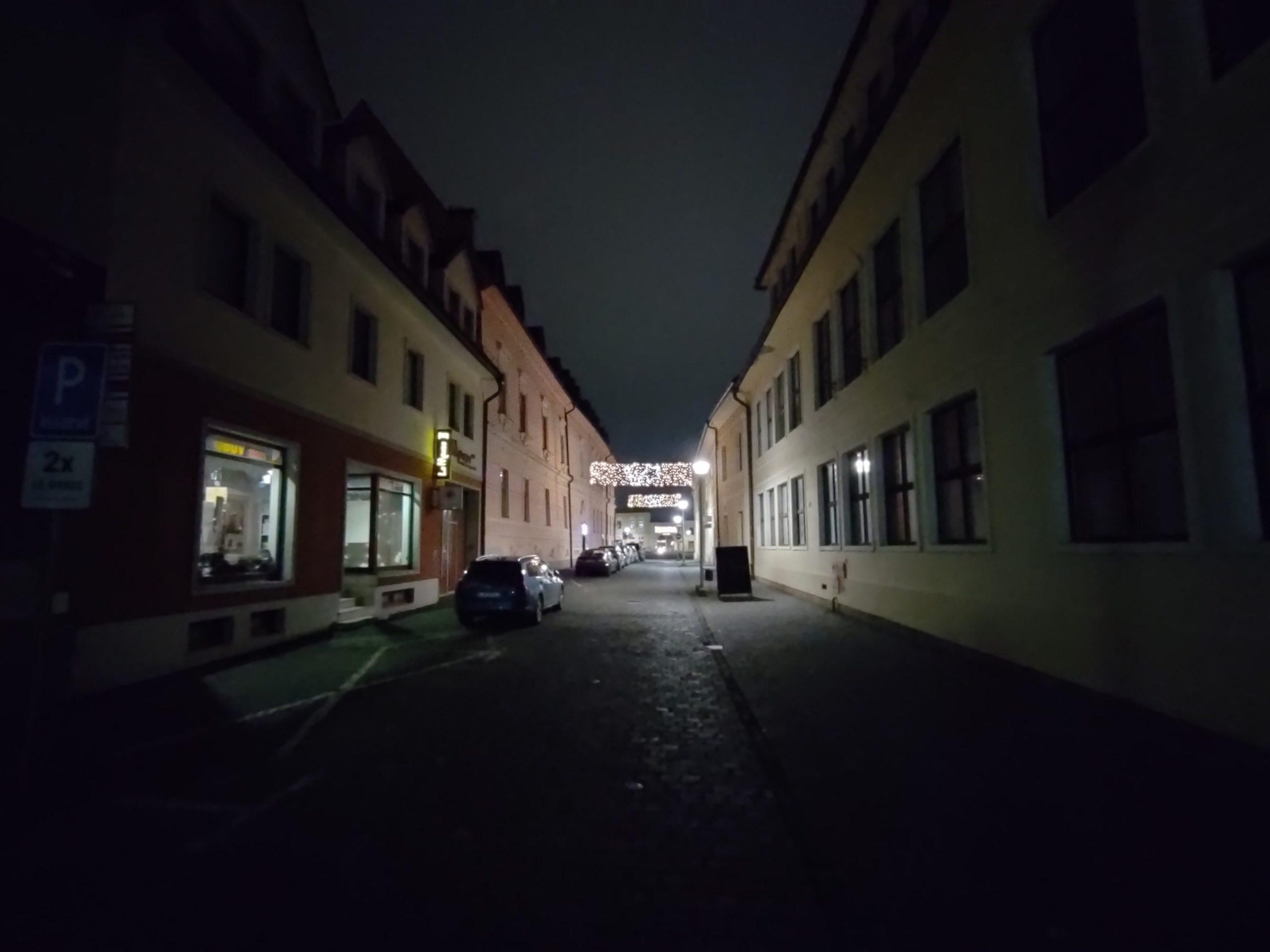 Nord N10 nočné foto (8)