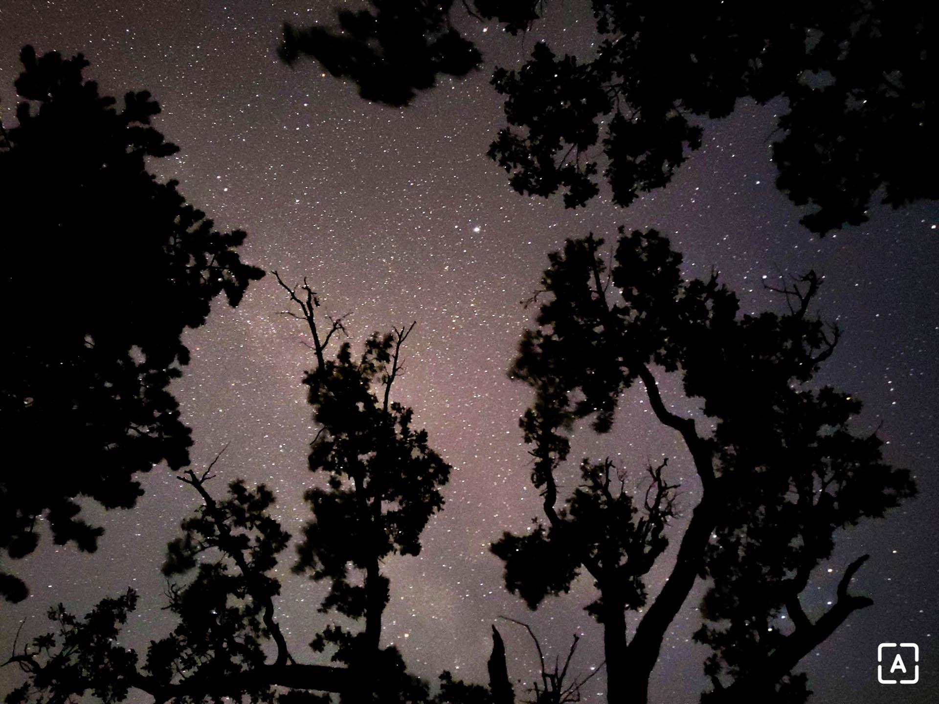 jupiter a saturn večerná obloha