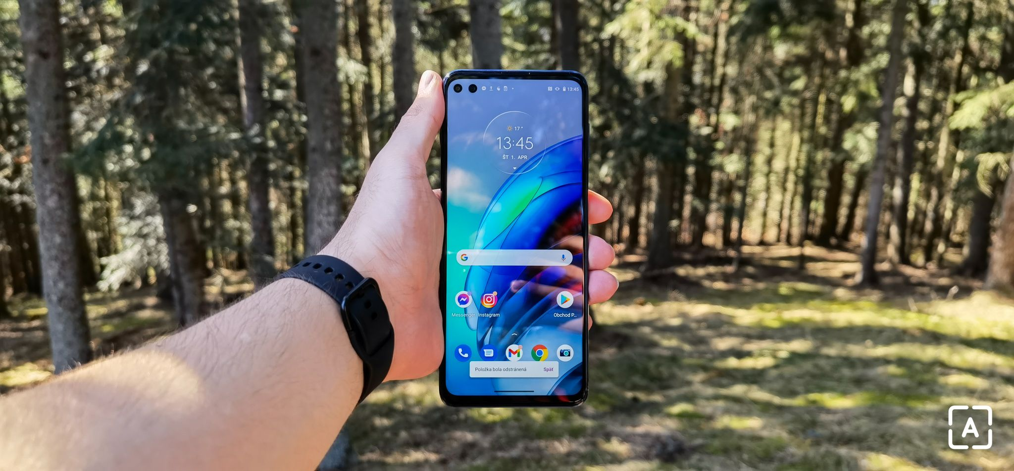Motorola moto g100 - obrazovka