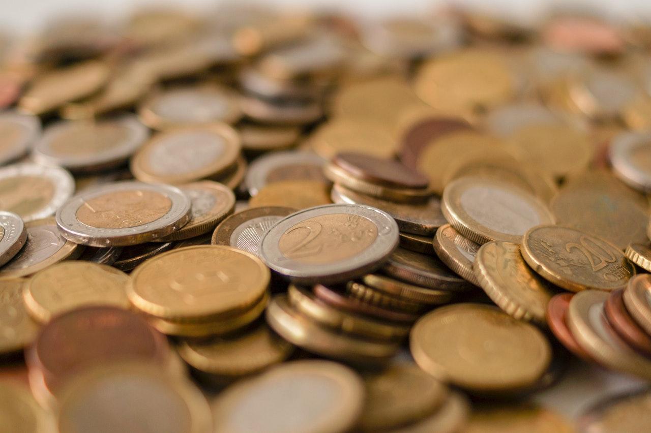 peniaze dane podvodníci
