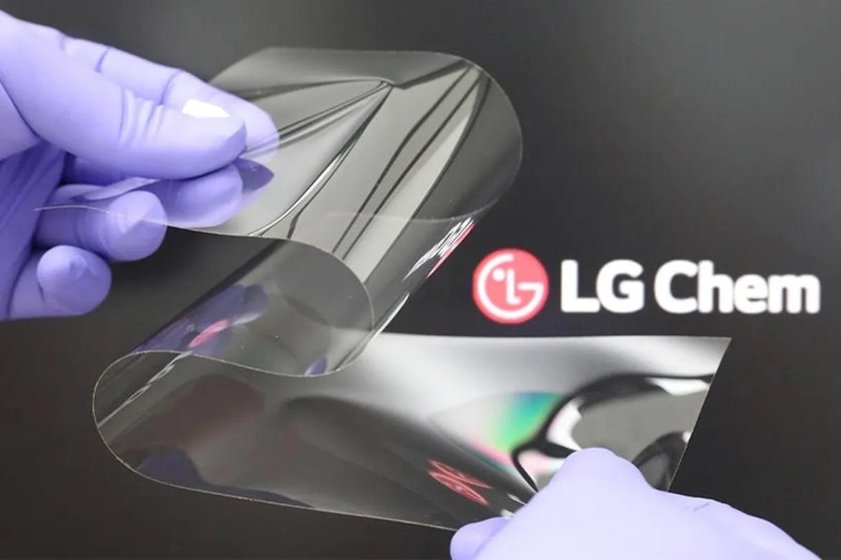LG nová fólia pre ohybné displeje