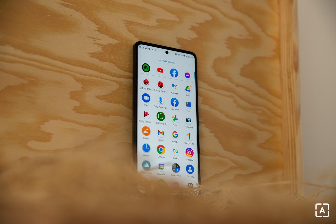 Motorola edge 20 displej